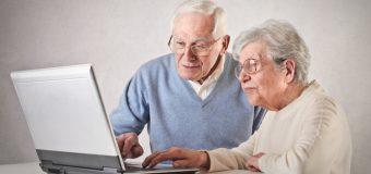 yaşlı bilgisayar