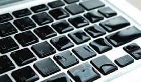 Dizüstü Bilgisayara Sıvı (Su) Madde Dökülürse Ne Yapılmalı?